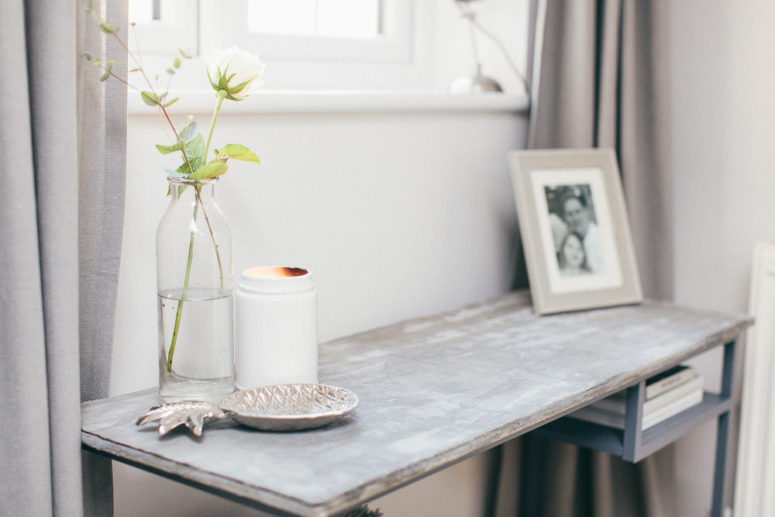 DIY IKEA Vittsjo desk into a chic console (via rockmystyle.co.uk)