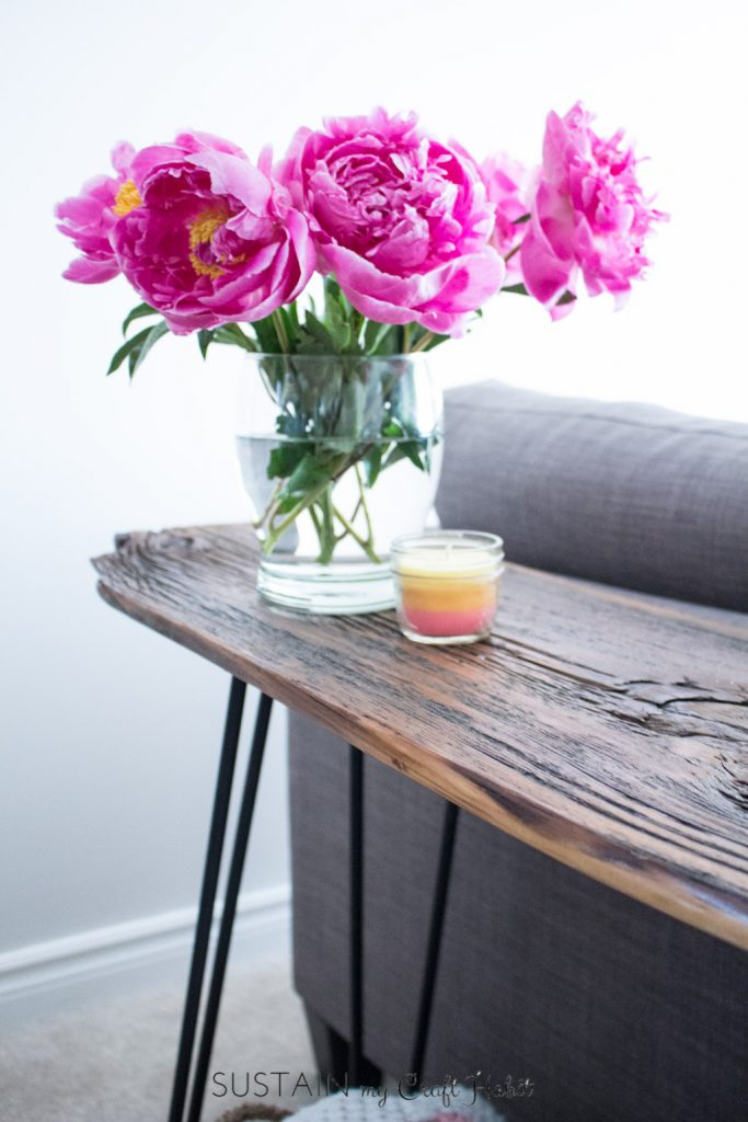 DIY hairpin leg console table with a barnwood top (via sustainmycrafthabit.com)