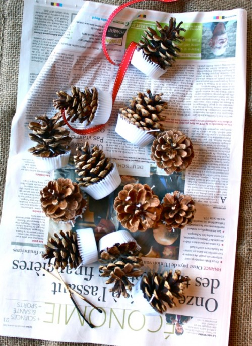 DIY pinecone firestarters with cinnamon, pine, cranberry scents (via www.shelterness.com)