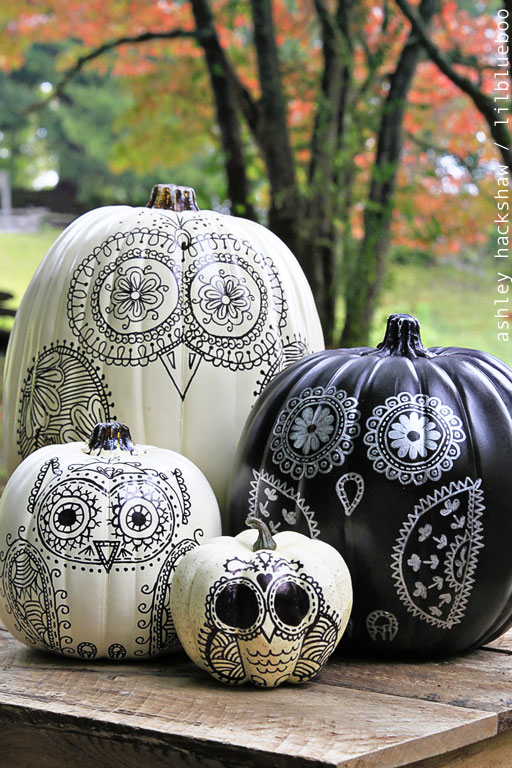 DIY Halloween sugar skull owl pumpkins made with sharpies (via www.lilblueboo.com)