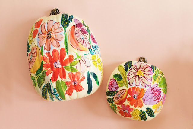 DIY fresh floral pumpkin to paint yourself (via www.lindseycrafterblog.com)