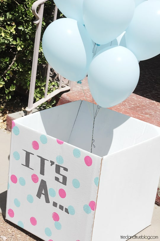 DIY box with gender reveal balloons as a last-minute craft (via www.triedandtrueblog.com)