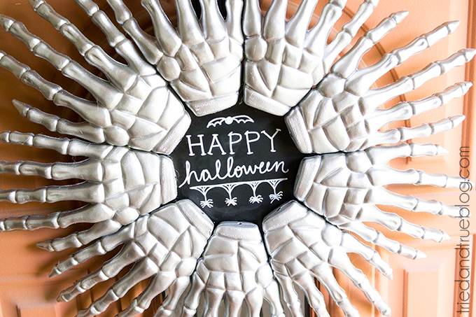 DIY stylish skeleton hand wreath (via www.triedandtrueblog.com)