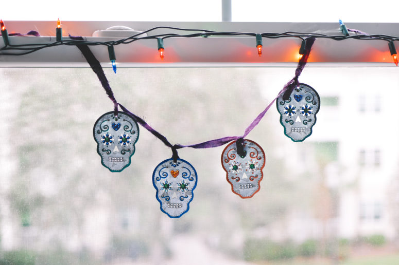 DIY colorful and glam sugar skull garland for beginners (via quietlioncreations.com)