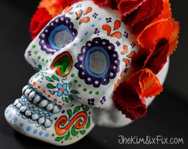 DIY sugar skull decoration of a cheap plastic skull  (via www.thekimsixfix.com)