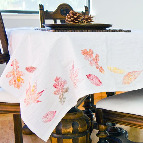 DIY colorful fall elaf print tablecloth (via www.popsugar.com)