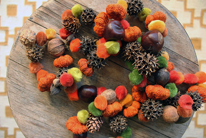 DIY natural Thanksgiving garland of various stuff (via makeanddocrew.com)