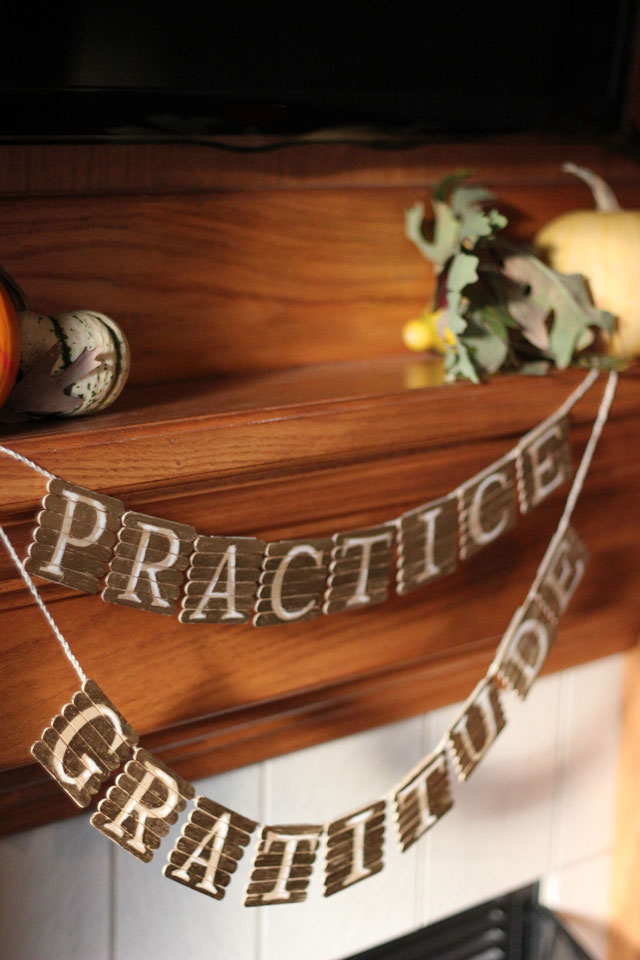 DIY popsicle stick Thanksgiving garland