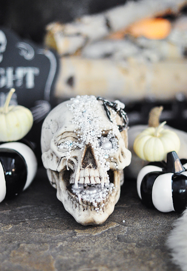 DIY creepy jeweled Halloween skull for a glam feel (via www.lovemaegan.com)