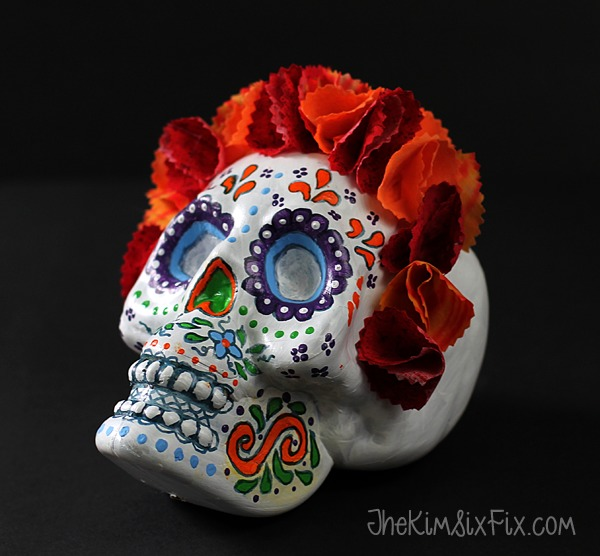 DIY sugar skull decoration for Halloween (via www.thekimsixfix.com)