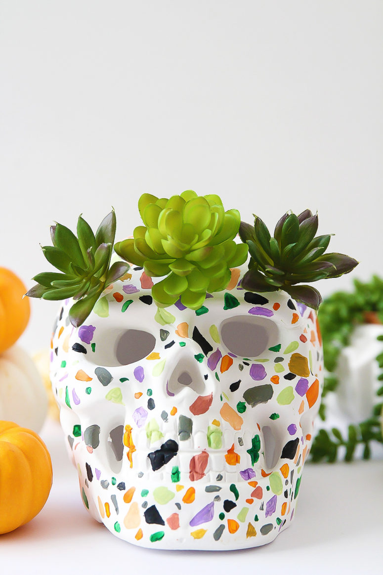 DIY terrazzo skull decoration for Halloween (via blissmakes.com)