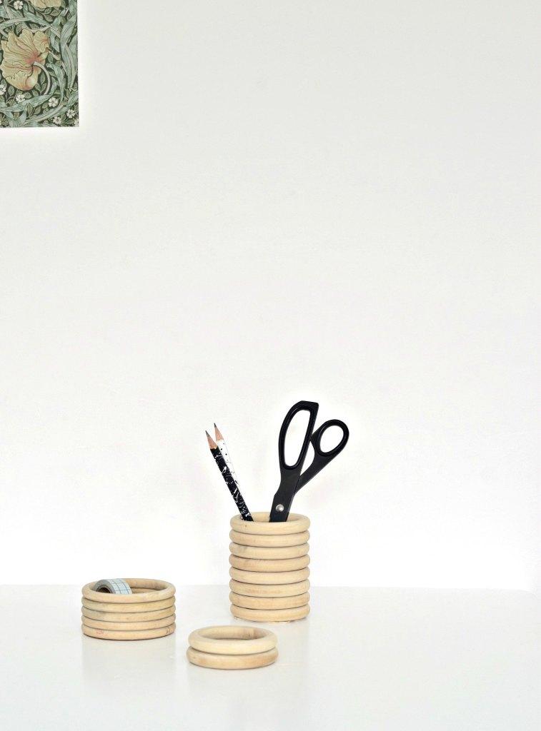 DIY Scandinavian wood ring pencil holders (via yourdiyfamily.com)