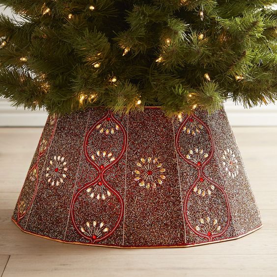 a beautiful red and gold collar with beading will add to your Christmas tree style and decor