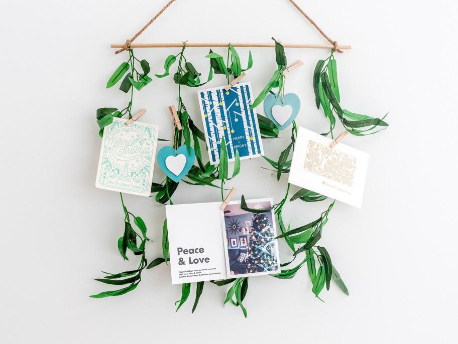 DIY leafy holiday card holder