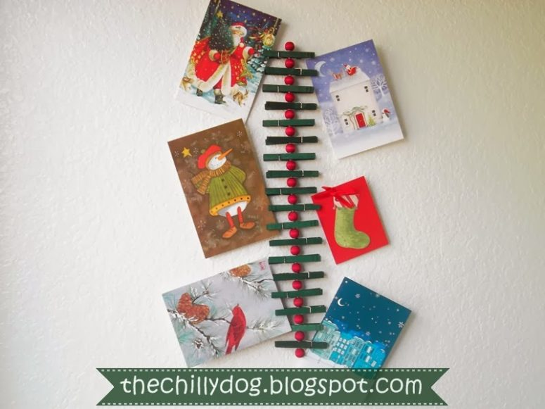 DIY clothespin Christmas card holder (via www.thechillydog.com)