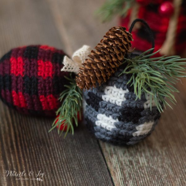 DIY crochet plaid Christmas ornaments (via www.whistleandivy.com)