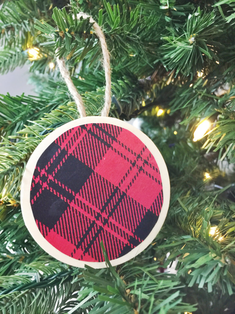 DIY modern buffalo paper ornaments with wooden circles (via www.birkleylaneinteriors.com)