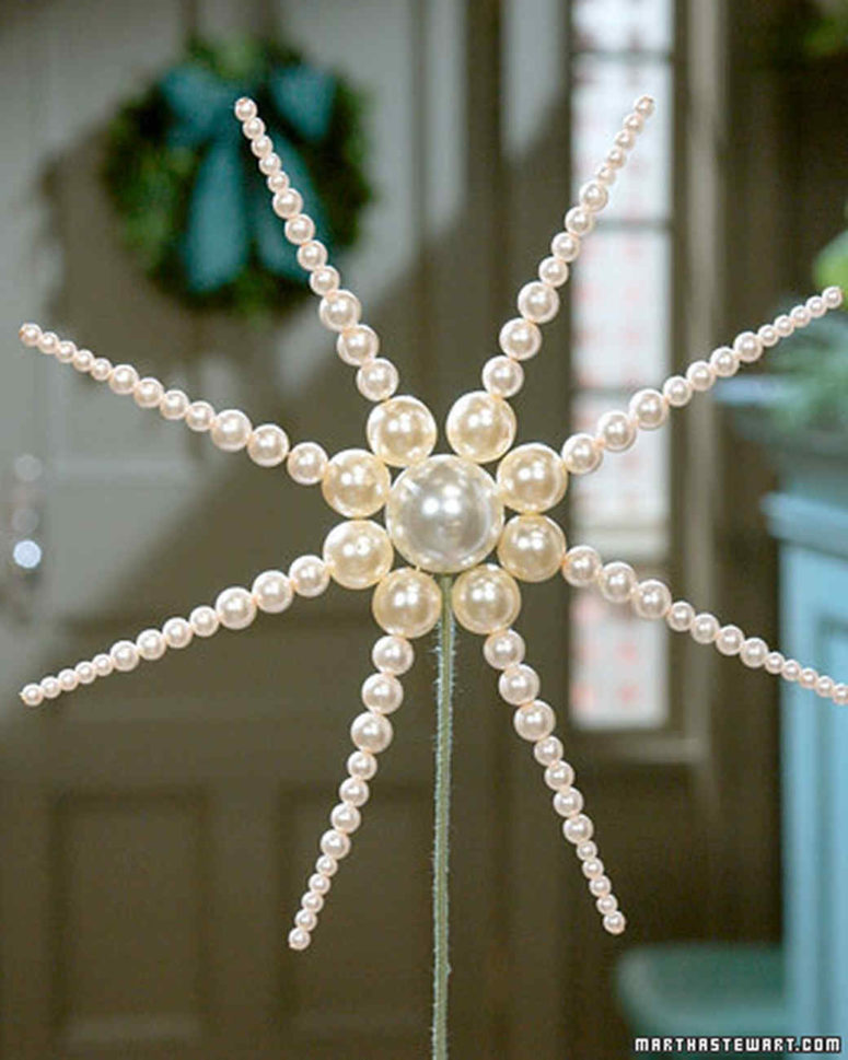 DIY pearl star Christmas tree topper (via www.marthastewart.com)