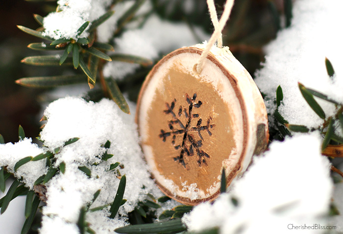 DIY wood burnt snowflake ornament for Christmas (via cherishedbliss.com)