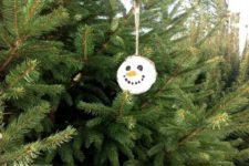 DIY wood slice Christmas snowman ornament