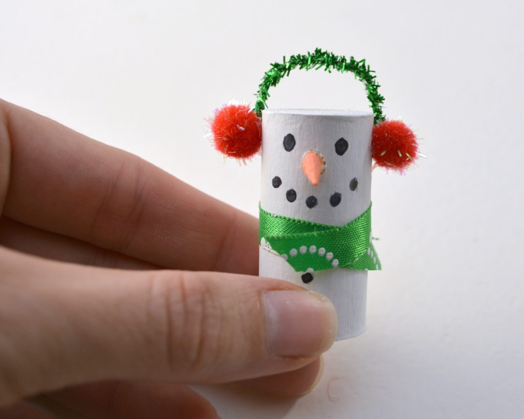 DIY wine cork snowman Christmas ornament