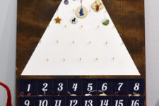 DIY modern tree-shaped advent calendar with felt pockets