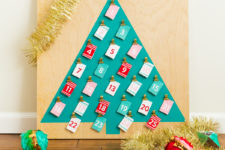 DIY colorful Christmas tre-shaped calendar with gold clips