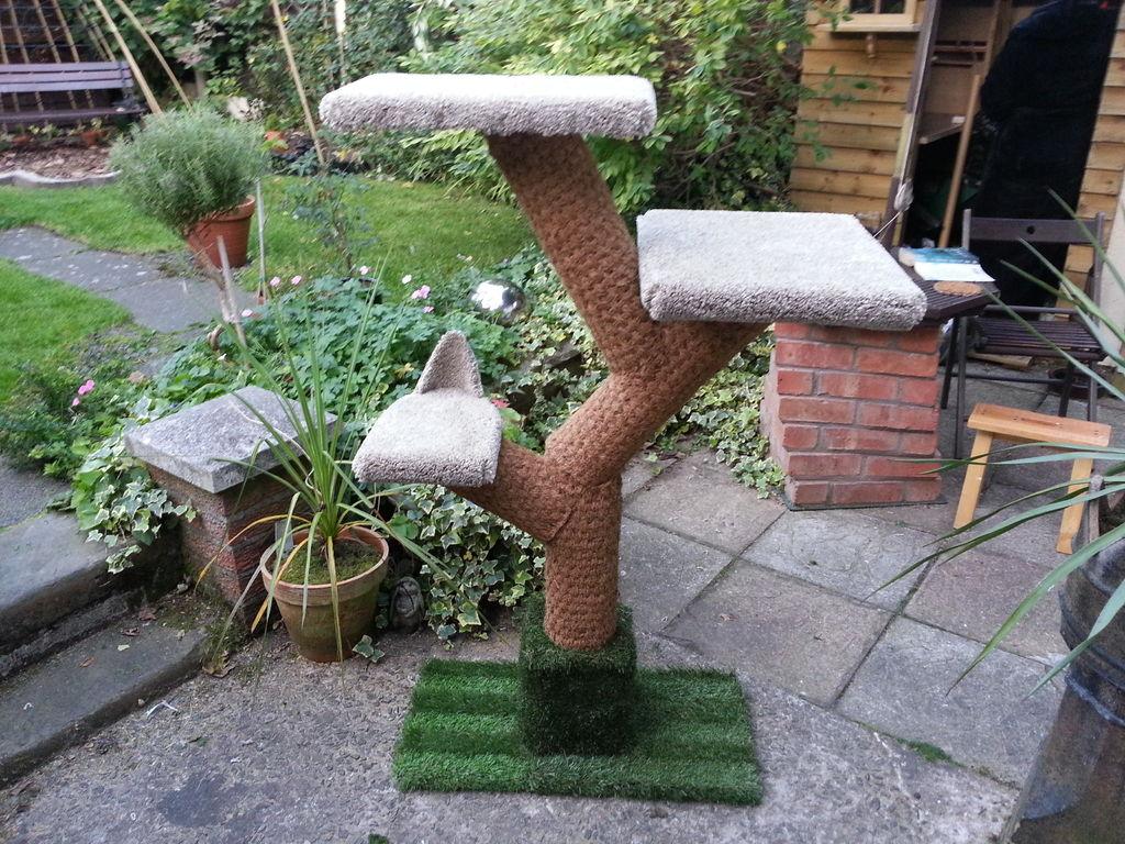 DIY carpet covered cat tree for little money