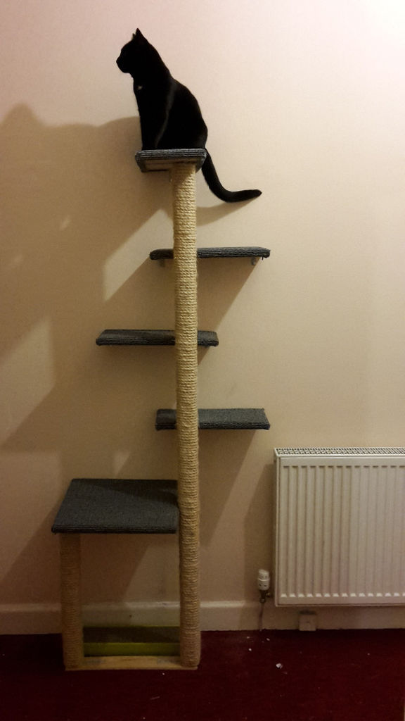 DIY multi-level cat tree with fabric and jute (via www.instructables.com)