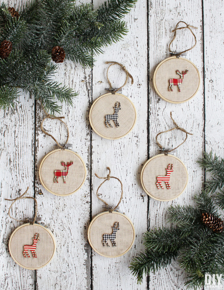 DIY rustic Christmas ornaments with embroidery hoop and colorful deer (via thediydreamer.com)