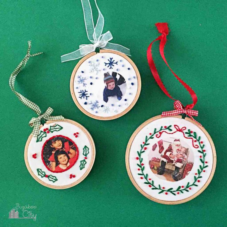 DIY embroidery hoop Christmas ornaments with photos (via www.bugaboocity.com)