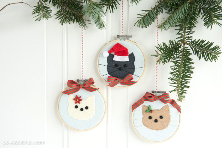 DIY sewn cat embroidery hoop ornaments for Christmas (via www.polkadotchair.com)