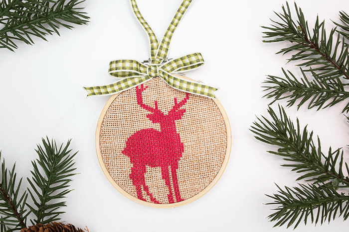 DIY rustic burlap, red and green embroidery Christmas ornament (via aprettyfix.com)