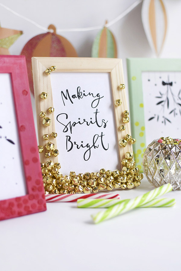 DIY modenr jingle bell frames for Christmas gifts and pics (via www.delineateyourdwelling.com)