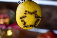 DIY lemon Christmas clovers with a star pattern