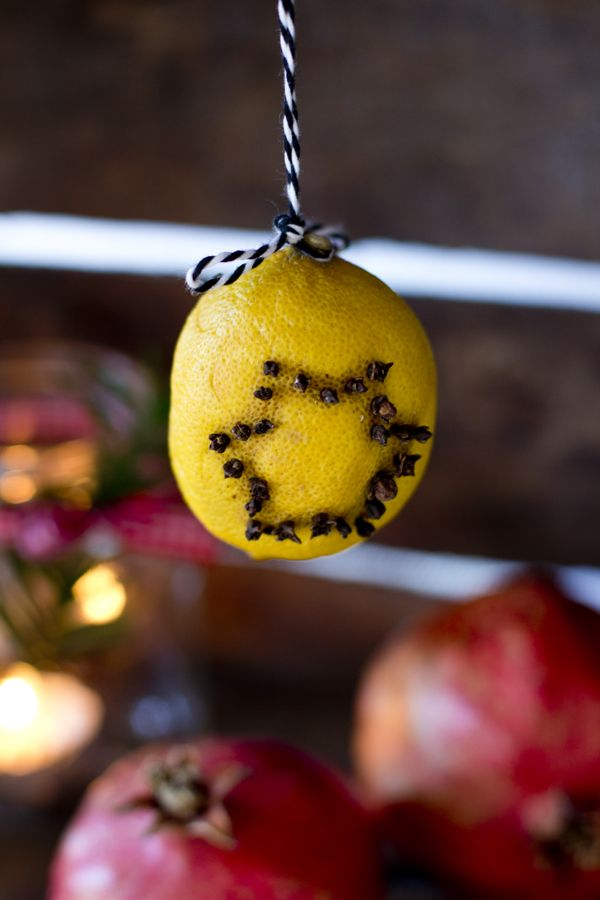 DIY lemon Christmas clovers with a star pattern (via look-what-i-made.com)