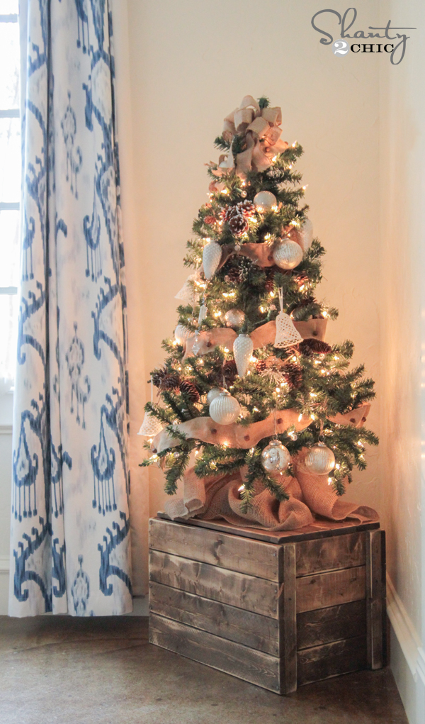 DIY dark stained Christmas stand crate for a rustic tree (via www.shanty-2-chic.com)
