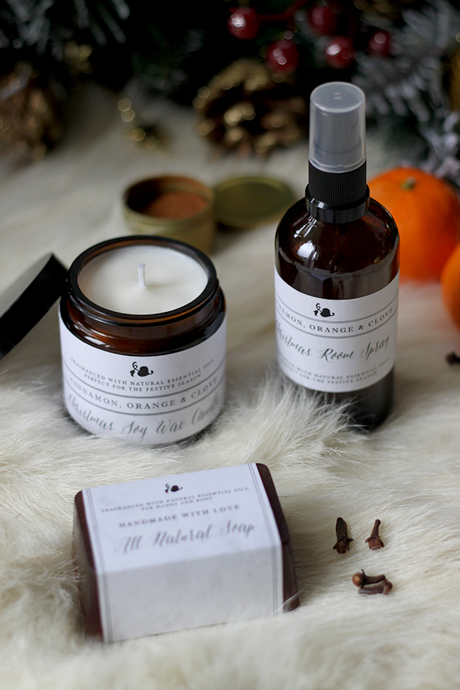 DIY cinnamon, orange and clove scented Christmas candles (via www.swoonworthy.co.uk)