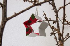 DIY recycled Christmas star ornaments of Tetrapaks