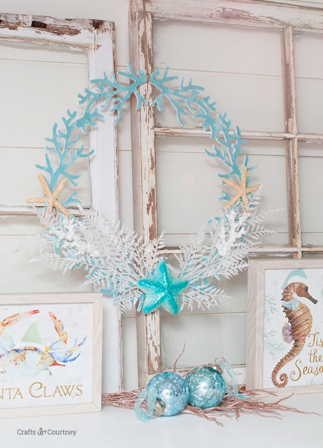 DIY delicate and intricate beach Christmas wreath with star fish (via www.craftsbycourtney.com)