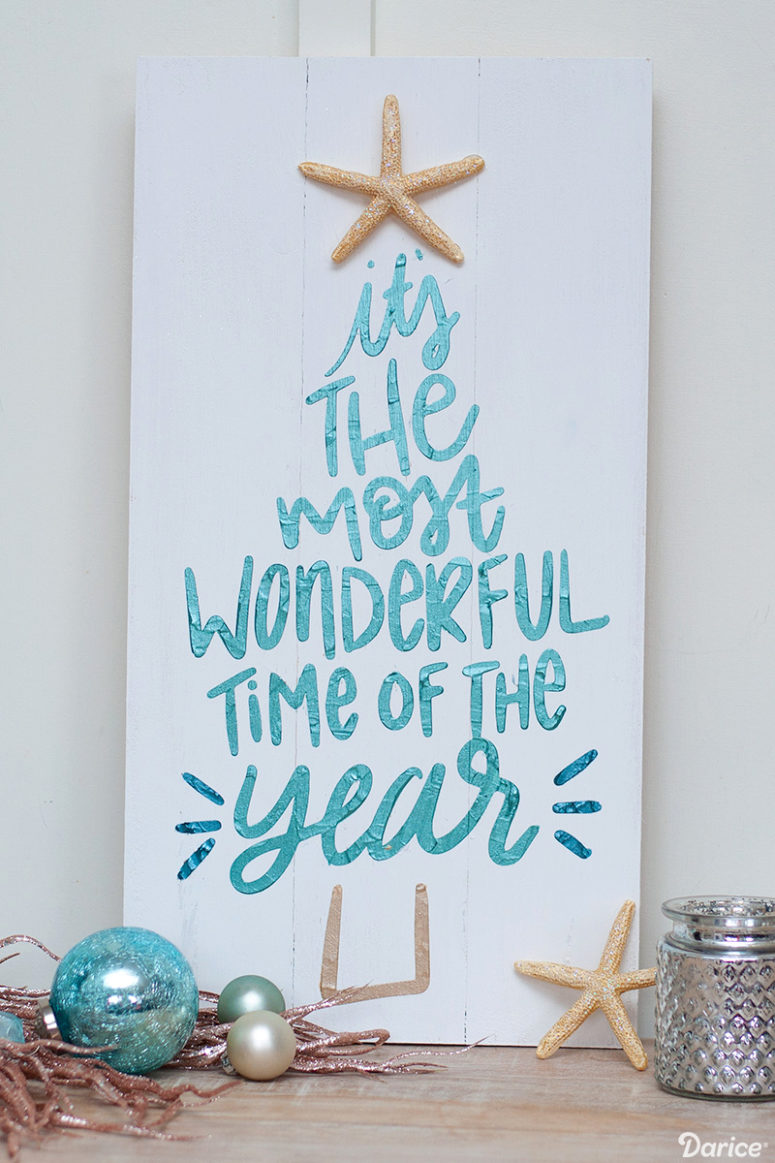 DIY coastal Christmas sign with textured paint (via blog.darice.com)