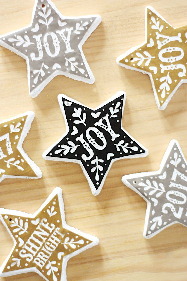 DIY graphic salt dough Christmas ornaments (via prettylifegirls.com)