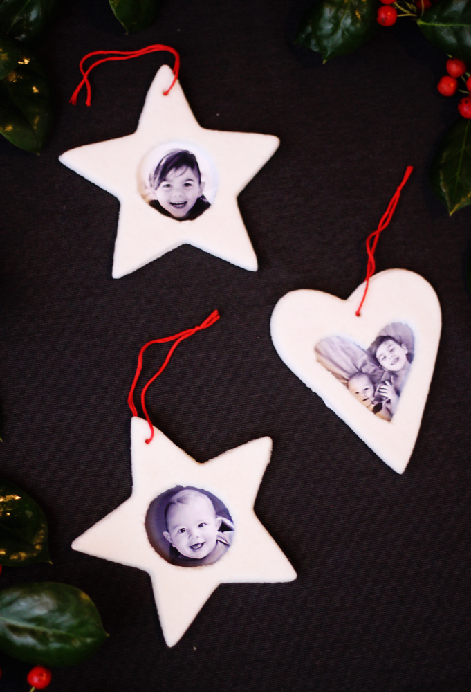 DIY salt dough Christmas ornaments with family pics (via www.smallfriendly.com)