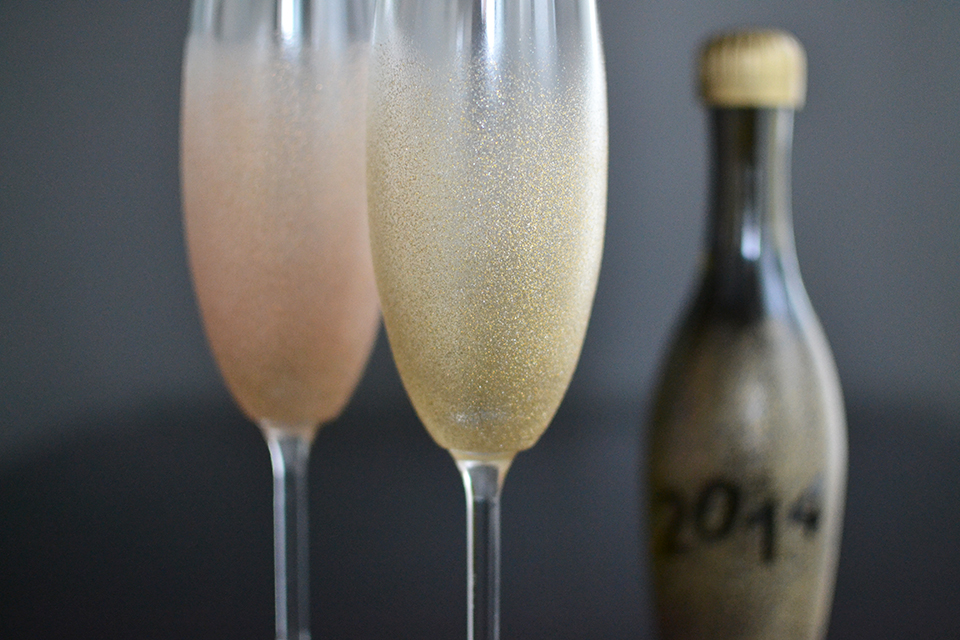 DIY glam glittered glasses for New Year's parties