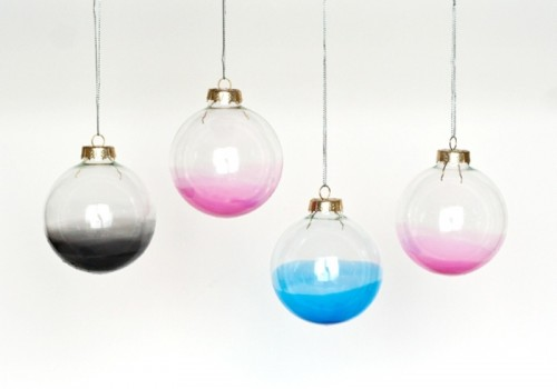 DIY ombre clear glass ornaments for Christmas