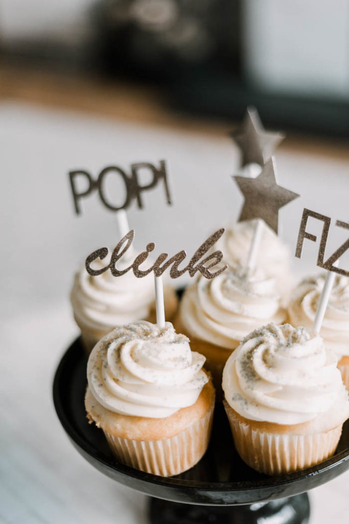 DIY sparkly New Year's cupcake toppers