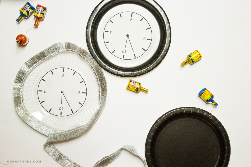 DIY New Year clock plates for parties