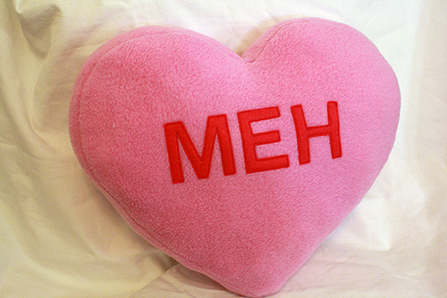 DIY conversation heart pillows for Valentine's Day (via tallystreasury.com)