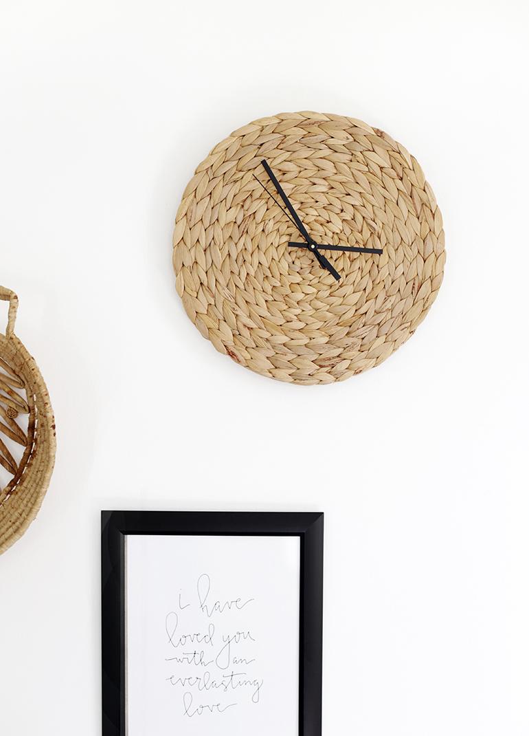 DIY stylish and minimal rattan wall clock  (via themerrythought.com)