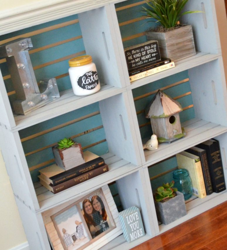 DIY vintage-inspired blue crate bookcase (via www.amylattacreations.com)